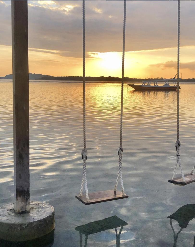 gili island air sunset