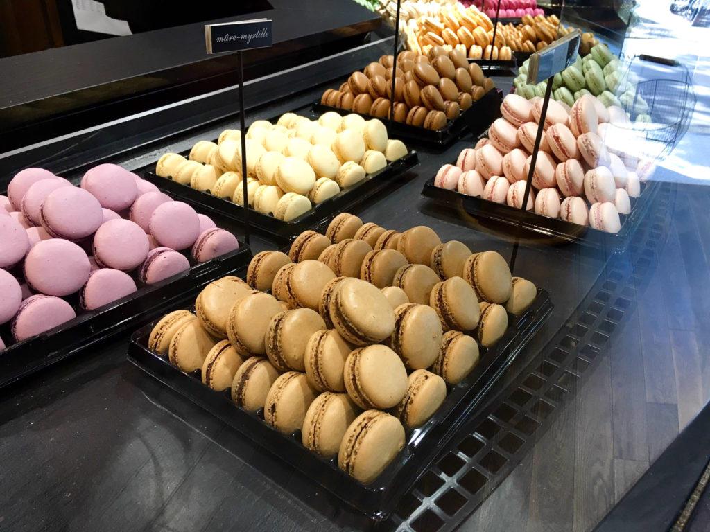 paris macarrons food france blog